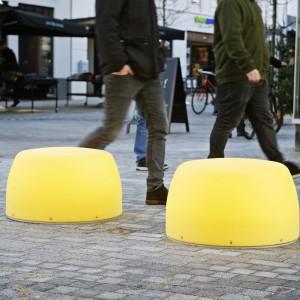 Lightdrops bænke og plinte, Kongensgade, gågade i Esbjerg.