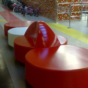 Disk bænke, rød og hvid