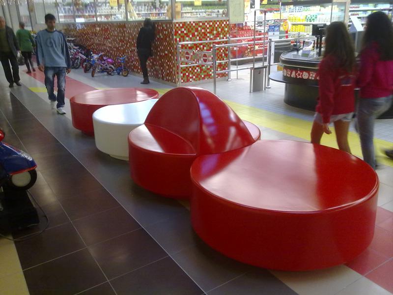 Disk bænk, rød og hvid