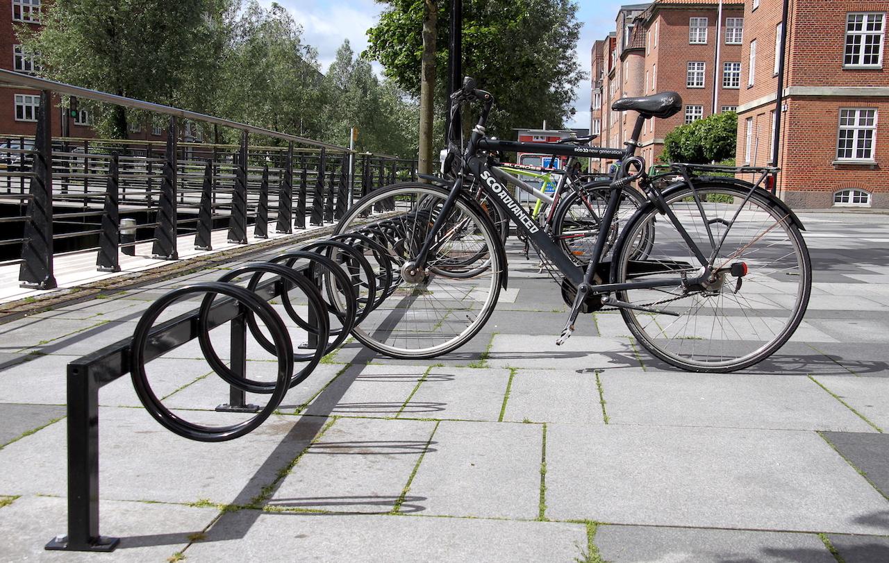 Keep Cykelstativer i bymiljø i Aarhus.