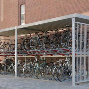 Y cykeloverdækning, Risskov Engpark med 2ParkUp dobbelt cykelparkering.