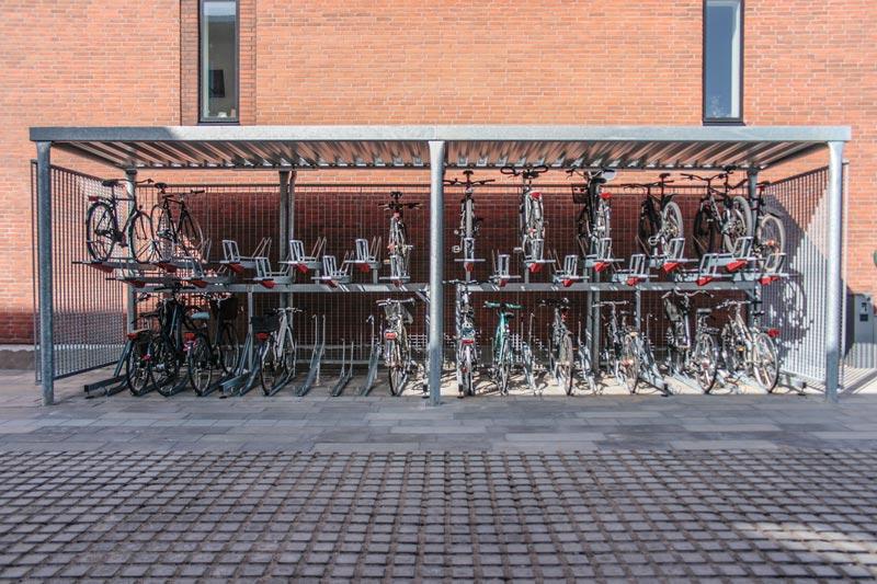 Y cykeloverdækninger inkl. 2ParkUp dobbelte cykelstativer, Risskov Engpark.